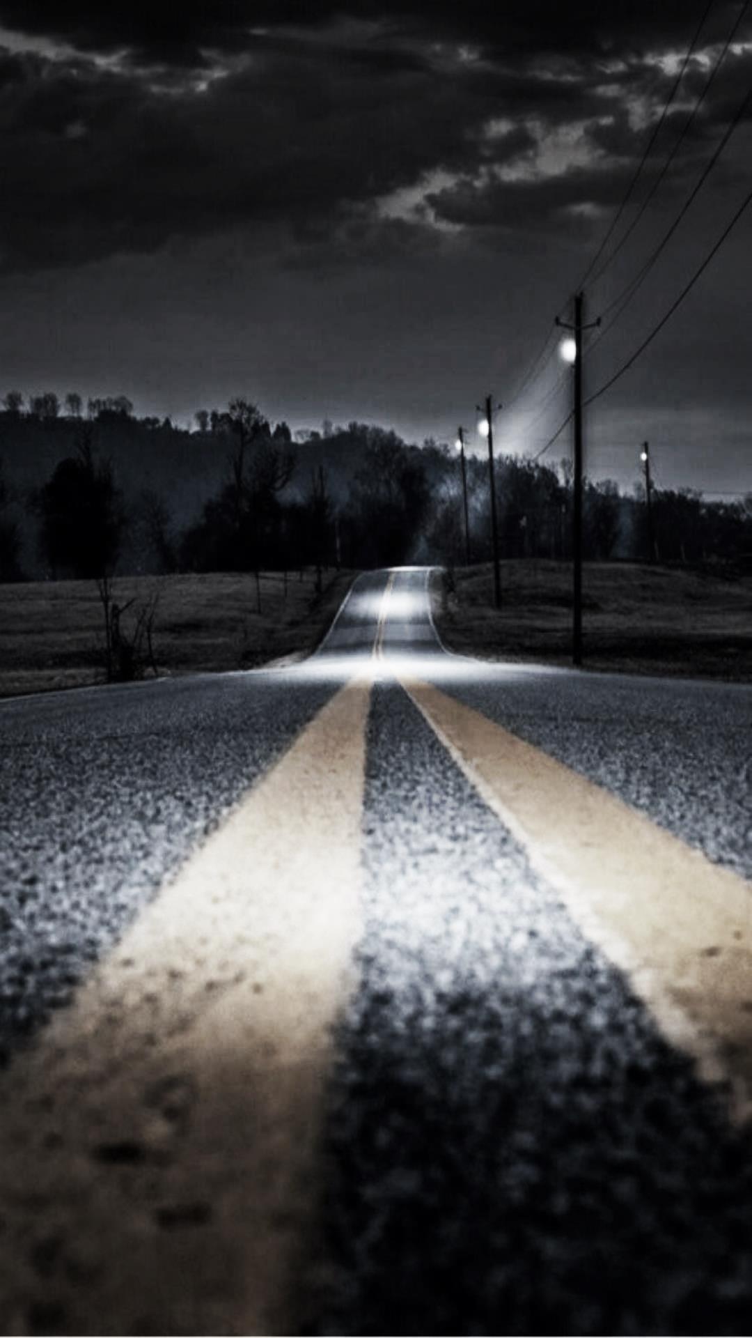 흐린날 저녁의 도로  시크.ver.jpg